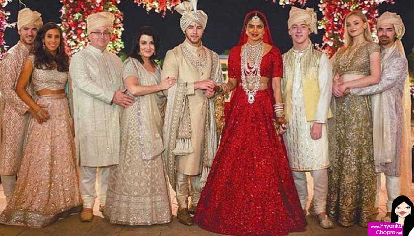 priyanka chopra, wedding family photo